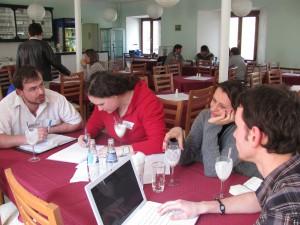 Společná práce účastníků na vybraném projektu